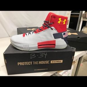 Other - NIB MENS UNDER ARMOUR DRIVE 4 TB SHOES. B34